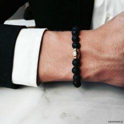 Bransoletka męska BLACK LAVA. Czarne bransoletki męskie Pakamera, z kryształem, złote. Za 180,00 zł.