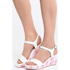 Biało-Różowe Sandały Part Of Me. Białe sandały damskie Born2be, z materiału, na koturnie. Za 79,99 zł.