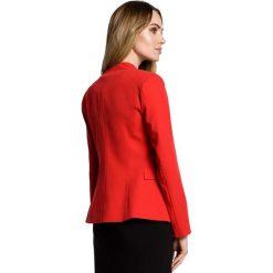 SIMONA Żakiet z niestandardowym kołnierzem - czerwony. Czerwone marynarki i żakiety damskie Moe, l, z jeansu, eleganckie. Za 169,90 zł.