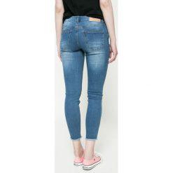 Noisy May - Jeansy. Niebieskie jeansy damskie rurki marki Noisy May, z obniżonym stanem. W wyprzedaży za 69,90 zł.