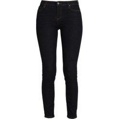 Armani Exchange Jeans Skinny Fit indigo denim. Czarne jeansy damskie relaxed fit marki Armani Exchange, l, z materiału, z kapturem. Za 479,00 zł.
