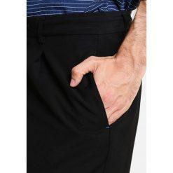 Chinosy męskie: Sisley Spodnie materiałowe black