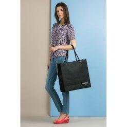 Pikowana torba na zakupy. Szare shopper bag damskie Monnari, duże, pikowane. Za 27,60 zł.