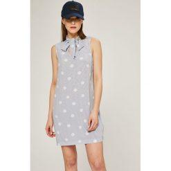 Tommy Hilfiger - Sukienka Harmony. Szare sukienki mini marki TOMMY HILFIGER, na co dzień, z tkaniny, casualowe, proste. W wyprzedaży za 379,90 zł.