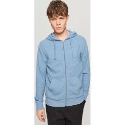 Rozpinana bluza z kapturem - Niebieski. Niebieskie bluzy męskie rozpinane marki bonprix, m, melanż. Za 79,99 zł.