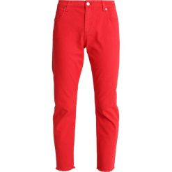 Boyfriendy damskie: 2ndOne NOORA Jeansy Straight Leg raw indie red