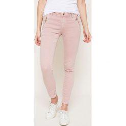Answear - Jeansy. Szare jeansy damskie rurki marki ANSWEAR. W wyprzedaży za 99,90 zł.