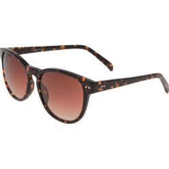 KIOMI Okulary przeciwsłoneczne brown. Brązowe okulary przeciwsłoneczne damskie wayfarery KIOMI. W wyprzedaży za 135,20 zł.