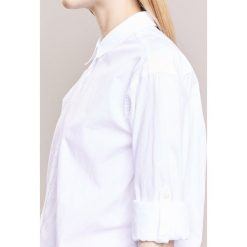 CLOSED JOAN Koszula white. Białe koszule damskie CLOSED, s, z bawełny. Za 419,00 zł.