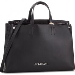 Torebka CALVIN KLEIN - Tack Tote K60K604816 001. Czarne torebki klasyczne damskie Calvin Klein, ze skóry ekologicznej. Za 699,00 zł.