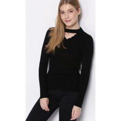 Czarny Sweter Automatically. Czarne swetry klasyczne damskie Born2be, s, prążkowane. Za 39,99 zł.