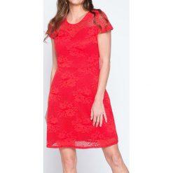 Sukienki balowe: Sukienka w kolorze czerwonym