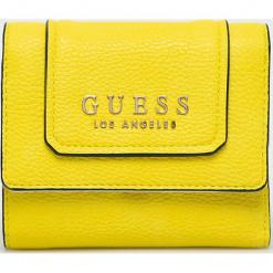 Guess Jeans - Portfel. Żółte portfele damskie Guess Jeans, z aplikacjami, z jeansu. W wyprzedaży za 199,90 zł.