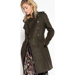 Płaszcze damskie pastelowe: Długi płaszcz w wojskowym stylu 55 % wełny