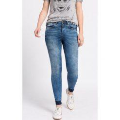 Medicine - Jeansy Work In Progress. Niebieskie jeansy damskie marki MEDICINE, z aplikacjami, z bawełny, z podwyższonym stanem. W wyprzedaży za 79,90 zł.