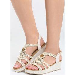 Beżowe Sandały Robust Design. Brązowe sandały damskie marki Born2be, z materiału, na koturnie. Za 99,99 zł.