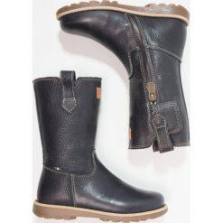 Kavat SKOGHALL Kozaki blue. Niebieskie buty zimowe damskie Kavat, z materiału, na wysokim obcasie. W wyprzedaży za 401,40 zł.