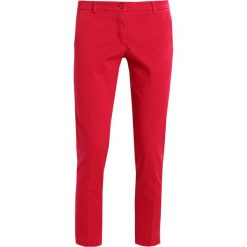 Chinosy damskie: Sisley BASIC Chinosy fuxia