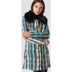 Glamorous Płaszcz Fluffy Collar - Blue,Multicolor,Yellow. Różowe płaszcze damskie marki Glamorous, z nadrukiem, z asymetrycznym kołnierzem, asymetryczne. Za 485,95 zł.