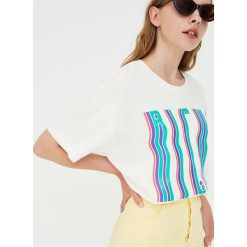 Koszulka z krótkim rękawem waves. Szare t-shirty damskie Pull&Bear. Za 34,90 zł.