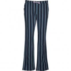 Spodnie piżamowe w kolorze niebieskim. Białe piżamy damskie marki LASCANA, w koronkowe wzory, z koronki. W wyprzedaży za 58,95 zł.