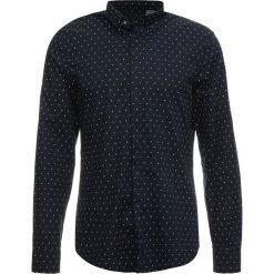 Armani Exchange Koszula navy/white. Czarne koszule męskie marki Armani Exchange, l, z materiału, z kapturem. Za 379,00 zł.