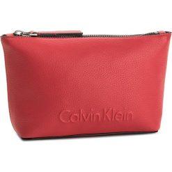 Kosmetyczka CALVIN KLEIN BLACK LABEL - Edge Cosmetic Pouch K60K603938 618. Czarne kosmetyczki męskie marki Calvin Klein Black Label, z materiału. Za 179,00 zł.