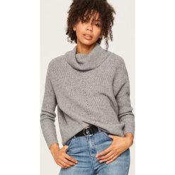 Sweter z odkrytymi ramionami - Szary. Szare swetry klasyczne damskie Reserved, l. Za 99,99 zł.