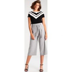 T-shirty damskie: Escada Tshirt z nadrukiem offwhite