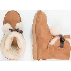 UGG GITA Botki chestnut. Brązowe buty zimowe damskie Ugg, z futra. Za 759,00 zł.