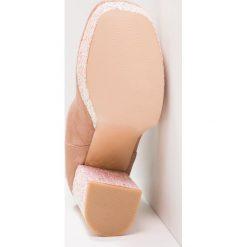 Botki damskie lity: Public Desire ROMANCE Botki na obcasie blush pink/blush pink glitter