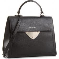 Torebka COCCINELLE - A05 B14 E1 A05 18 03 N0 Noir 001. Brązowe torebki klasyczne damskie marki Coccinelle, ze skóry. W wyprzedaży za 909,00 zł.