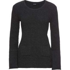 Sweter dzianinowy z rozkloszowanymi rękawami bonprix ciemnoszary melanż. Szare swetry klasyczne damskie marki bonprix, z dzianiny. Za 79,99 zł.