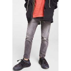 Mango Kids - Jeansy dziecięce John 104-164 cm. Niebieskie jeansy chłopięce marki House. W wyprzedaży za 49,90 zł.