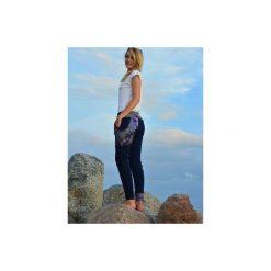 Spodnie damskie - Granatowa Koronka - baggy - joggery. Niebieskie spodnie ciążowe Mimi monster alicja Łaciak, s, w koronkowe wzory, z dresówki. Za 199,00 zł.
