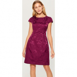 Żakardowa sukienka z krótkimi rękawami - Różowy. Czerwone sukienki mini marki Mohito, l, w koronkowe wzory. Za 179,99 zł.
