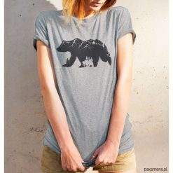 Koszulka damska - NIEDŹWIEDŹ BRUNATNY. Brązowe bluzki asymetryczne Pakamera, z motywem zwierzęcym. Za 99,00 zł.