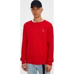 Swetry klasyczne męskie: Sweter z okrągłym dekoltem i haftem