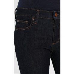 GAP SKINNY RINSE Jeans Skinny Fit blue denim. Niebieskie rurki damskie GAP. Za 169,00 zł.