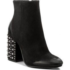 Botki CARINII - B4283 360-000-PSK-C00. Czarne buty zimowe damskie Carinii, z nubiku. W wyprzedaży za 269,00 zł.