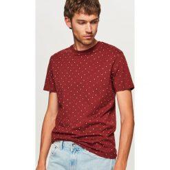 T-shirt z mikroprintem - Bordowy. Czerwone t-shirty męskie Reserved, l. Za 59,99 zł.