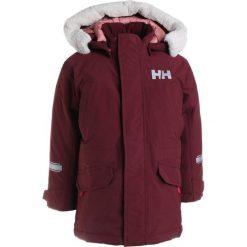 Helly Hansen ISFJORD  Kurtka snowboardowa port. Fioletowe kurtki chłopięce Helly Hansen, z materiału, narciarskie. W wyprzedaży za 384,30 zł.