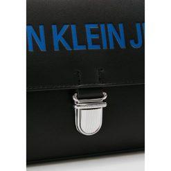 Calvin Klein Jeans SCULPTED FLAP LOGO Torebka black. Czarne torebki klasyczne damskie Calvin Klein Jeans, z jeansu. Za 599,00 zł.