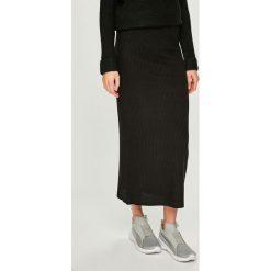 Answear - Spódnica. Szare spódniczki dzianinowe ANSWEAR, l, midi, dopasowane. Za 89,90 zł.