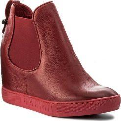 Botki CARINII - B3918 I79-000-000-B88. Czerwone botki damskie skórzane Carinii. W wyprzedaży za 219,00 zł.