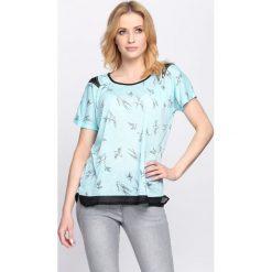 Bluzki damskie: Jasnoniebieski T-shirt Suit & Tie