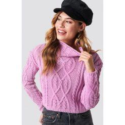 Glamorous Sweter Cable Knitted - Pink. Różowe golfy damskie marki Glamorous, z nadrukiem, z asymetrycznym kołnierzem, asymetryczne. Za 161,95 zł.
