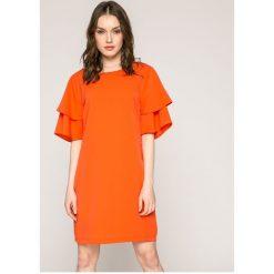 Answear - Sukienka. Szare sukienki balowe marki ANSWEAR, l, z poliesteru, z okrągłym kołnierzem, z krótkim rękawem, mini. W wyprzedaży za 79,90 zł.