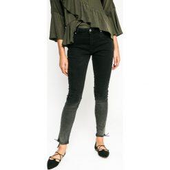 Medicine - Jeansy Grey Earth. Szare jeansy damskie rurki marki MEDICINE. W wyprzedaży za 59,90 zł.