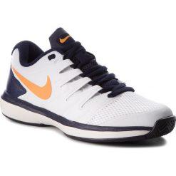 Buty NIKE - Air Zoom Prestige Hc AA8020 180 White/Oragne Peel. Białe buty fitness męskie Nike, z materiału, nike zoom. W wyprzedaży za 319,00 zł.